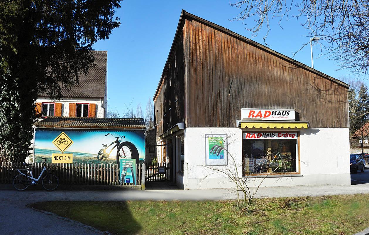 Das kleine Radhaus am Büchereiparkplatz
